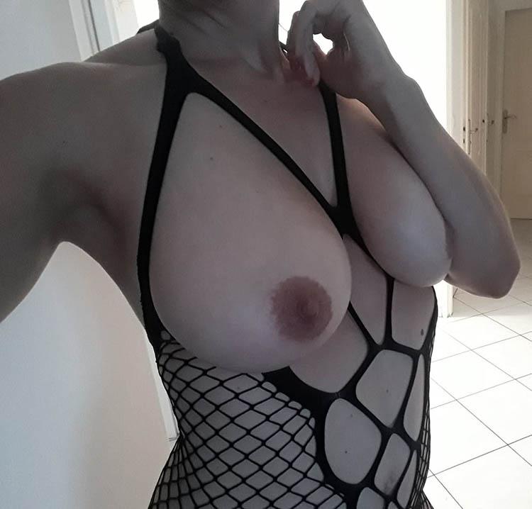 Andrea femme gros seins Quimper