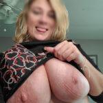 Eva blonde à gros seins cherche bad boy plan cul à Nantes