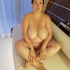 Cynthia célibataire gros seins, plans cul sans lendemain, Quimper