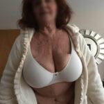Femme à très gros seins cherche aventure sexe à Concarneau